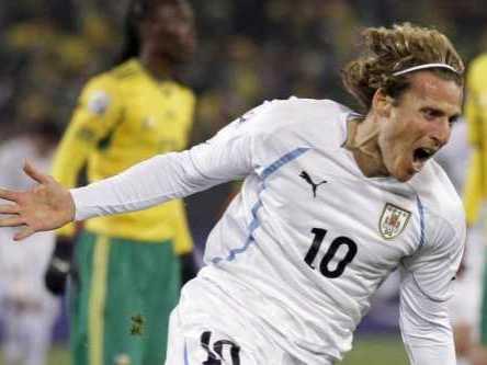 Forlan partido Uruguay AP
