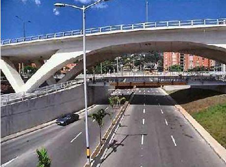 Nuevo suicidio en la Aguacatala: Mujer se lanzó desde el Puente |  Minuto30.com